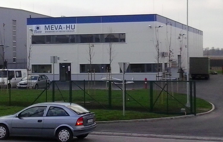 MEVA_csarnok_kicsi_01